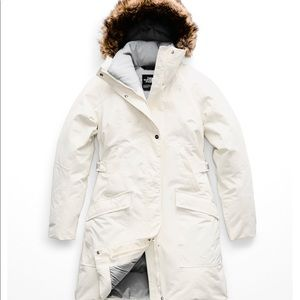 North face white/cream parka